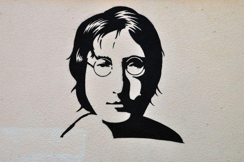 Prezentujemy książki o Johnie Lennonie