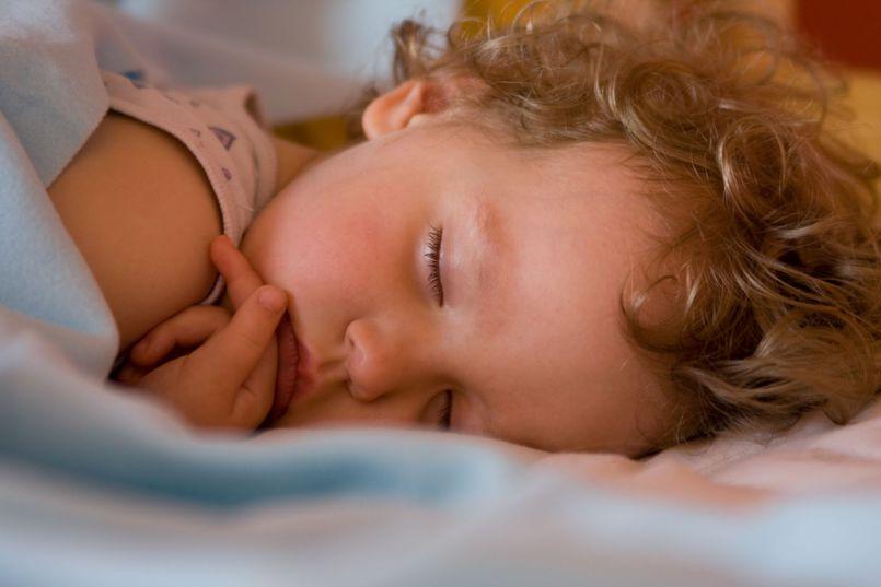 Sen dziecka. Co zrobić, by dziecko i rodzicie byli wyspani?