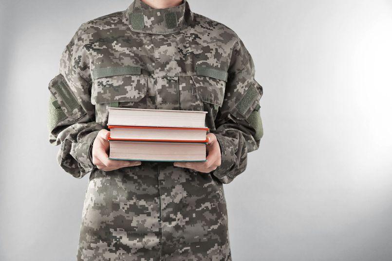 8 polskich książek o militariach