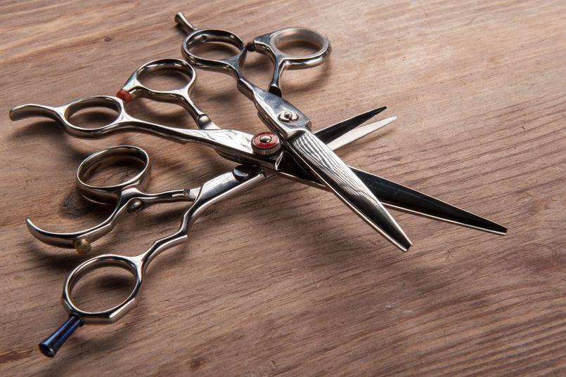 Jakie nożyczki zakupić do zakładu fryzjerskiego?