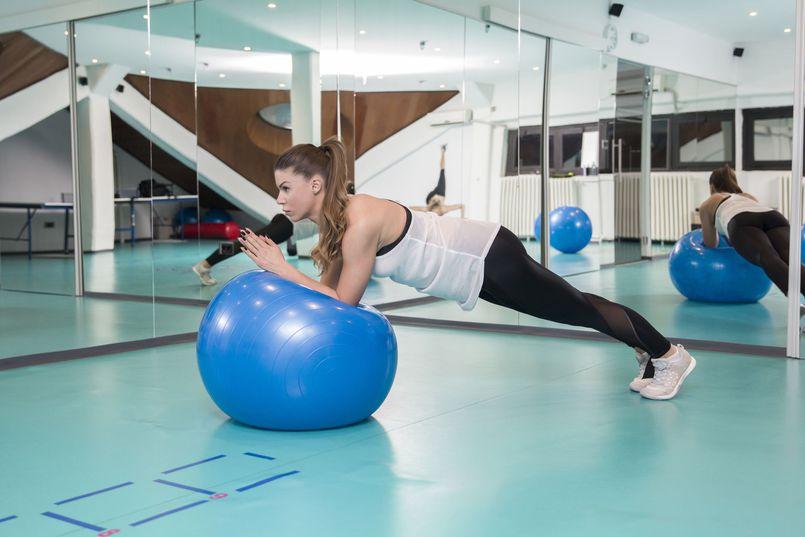 Pilates – korzyści płynące z regularnego treningu