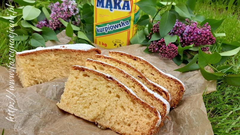 Puszyste ciasto z serkiem waniliowym – przepis