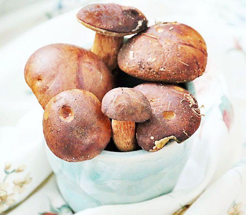 Jesienne przetwory z grzybów, papryki i cukini